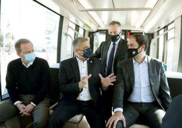 Καραμανλής : Το τραμ επέστρεψε στο ΣΕΦ, ακολουθεί η επέκταση προς Πειραιά. - Φωτογραφία 4