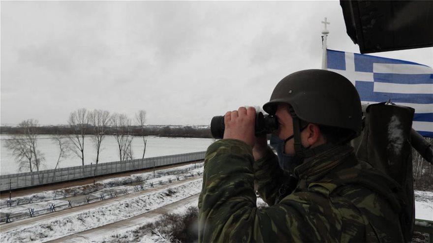 Εντυπωσιακές εικόνες από την εκπαίδευση του Δ΄ Σώματος Στρατού στο χιόνι  Fotos - Φωτογραφία 11