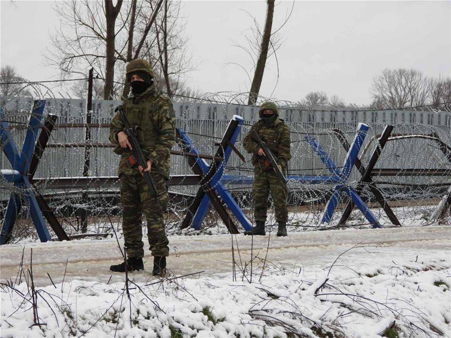 Εντυπωσιακές εικόνες από την εκπαίδευση του Δ΄ Σώματος Στρατού στο χιόνι  Fotos - Φωτογραφία 8