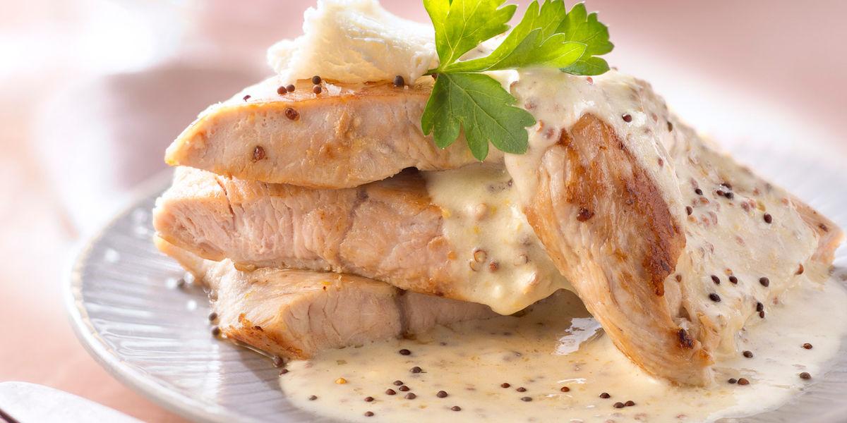#Μένουμε_στο_σπίτι_Μαγειρεύουμε_στο_σπίτι: Φιλέτο γαλοπούλας με σάλτσα μουστάρδας αρωματισμένη με εστραγκόν και κάπαρη - Φωτογραφία 1