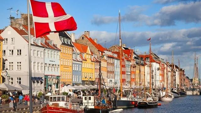 Δανία: Εκατοντάδες διαδήλωσαν στην Κοπεγχάγη εναντίον των περιοριστικών μέτρων - Φωτογραφία 1