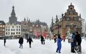 Ισχυρή χιονοθύελλα σαρώνει την βόρεια Ευρώπη διαταράσσοντας τη σιδηροδρομική και οδική κυκλοφορία.