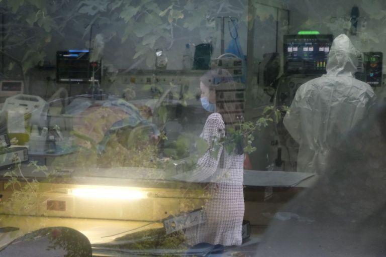 «Βράζει» η Αττική με 5.536 ενεργά κρούσματα. «Κλειδώνει» η παράταση lockdown - Φωτογραφία 1