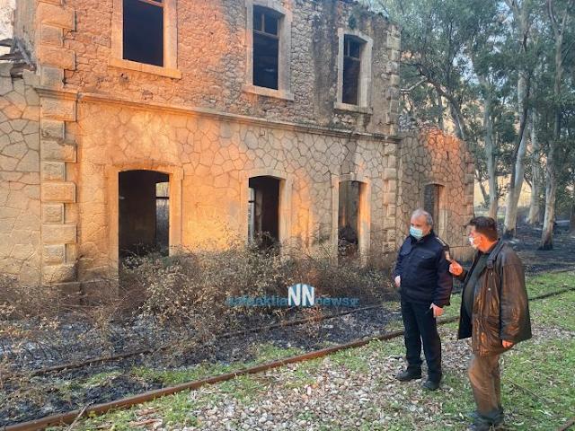 Ναυπακτία – Κρυονέρι: Κάηκε σκεπή από παλιό σταθμό του ΟΣΕ – Απειλήθηκαν σπίτια από την μεγάλη φωτιά. Εικόνες και βίντεο. - Φωτογραφία 2