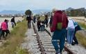 Ναύπλιο: Εθελοντές καθάρισαν από απορρίμματα την περιοχή του σταθμού του ΟΣΕ - Φωτογραφία 3