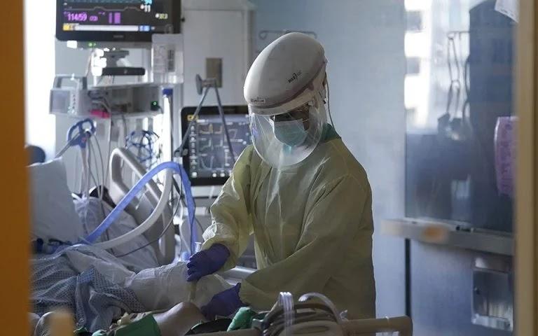62 διασωληνωμένοι ασθενείς σε λίστα αναμονής για ΜΕΘ - Φωτογραφία 1