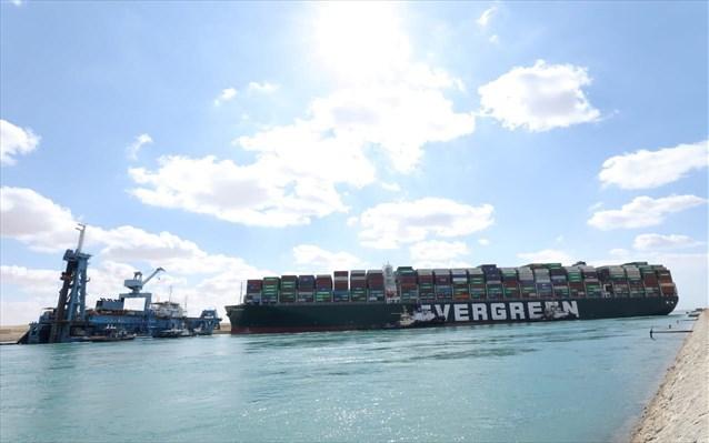Διώρυγα Σουέζ: Εκατοντάδες πλοία εγκλωβισμένα, τα 25 πετρελαιοφόρα - Φωτογραφία 1