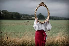 Αυτός που λέει ψέματα στον εαυτό του και πιστεύει στο ίδιο του το ψέμα... - Φωτογραφία 1