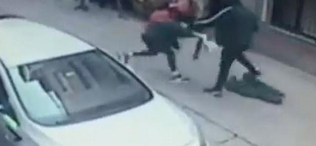 Επίθεση-σοκ στη μέση του δρόμου: Μαχαίρωσε τη γυναίκα του επειδή τον εγκατέλειψε - Φωτογραφία 1