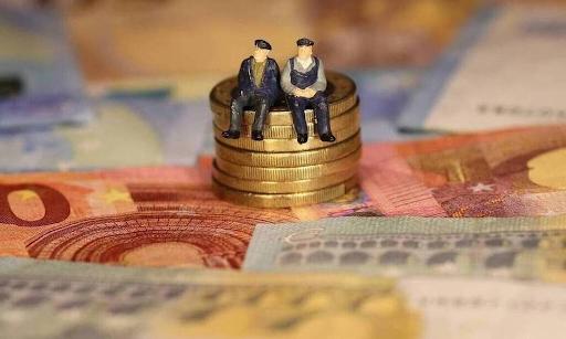 Συντάξεις Μαΐου 2021: Πληρωμή νωρίτερα λόγω Πάσχα - Πότε πάνε ταμείο οι συνταξιούχοι. - Φωτογραφία 1