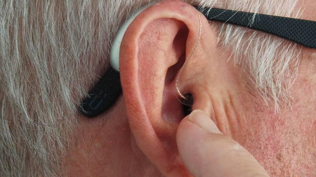 Έρευνα: Αυξημένος ο κίνδυνος άνοιας για τους ηλικιωμένους με προβλήματα ακοής και όρασης - Φωτογραφία 1