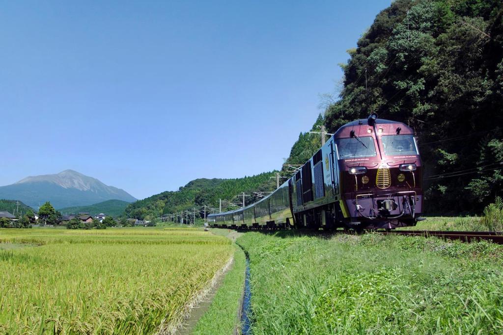 Ταξιδεύοντας με το πιο πολυτελές τρένο στον κόσμο (βίντεο). - Φωτογραφία 4