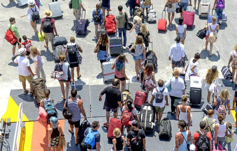 Διακοπές στην Ελλάδα χωρίς καραντίνα. Για ποιες χώρες και σε ποια αεροδρόμια (video) - Φωτογραφία 1