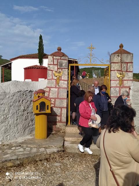 Γιόρτασε το εκκλησάκι του Αγίου Γεωργίου στην ΠΑΛΑΙΟΜΑΝΙΝΑ (φωτογραφίες: Γιάννης Νίτσας) - Φωτογραφία 2