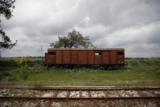 Πιερία: Εγκαταλειμμένος σιδηροδρομικός σταθμός και 7 βαγόνια γίνονται… ξενοδοχείο! - Φωτογραφία 1