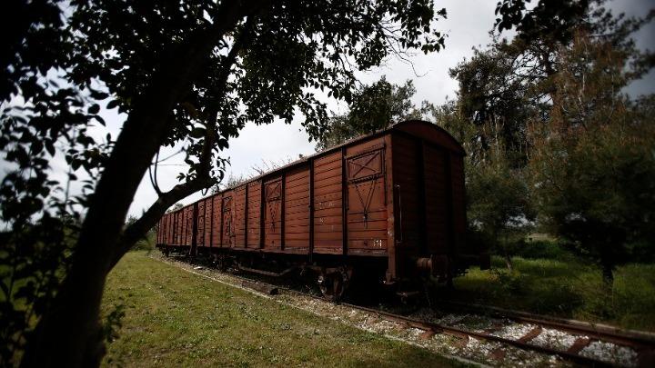 Πιερία: Εγκαταλειμμένος σιδηροδρομικός σταθμός και 7 βαγόνια γίνονται… ξενοδοχείο! - Φωτογραφία 3