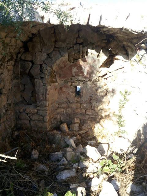 Στα βήματα της Ιστορίας. -Ο ξεχασμένος Ναός του Αγίου Νικολάου στον Αετό Ακτίου-Βόνιτσας. - Φωτογραφία 2