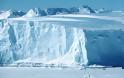 Το μεγαλύτερο παγόβουνο στον κόσμο αποκόπηκε από την Ανταρκτική