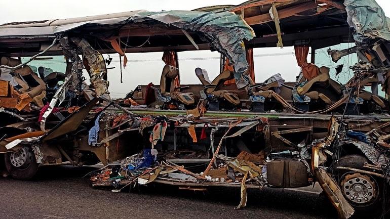 Πακιστάν: Τουλάχιστον 30 νεκροί σε σύγκρουση τρένων. - Φωτογραφία 1