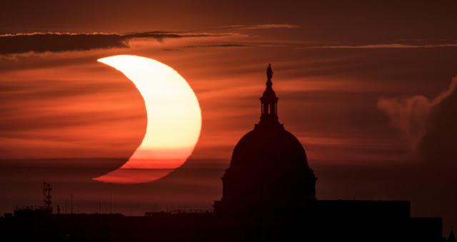 «Δαχτυλίδι της φωτιάς»: Εντυπωσιακές εικόνες από την ηλιακή έκλειψη - Φωτογραφία 1