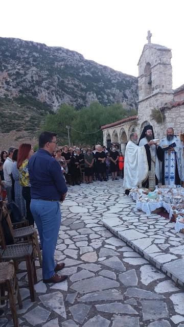 Πανηγυρικός εσπερινός  στο ιστορικό  μοναστήρι του Προφήτη Ηλία στο Καραϊσκάκη Ξηρομέρου. - Φωτογραφία 1