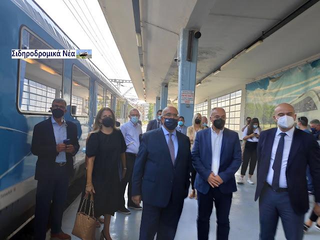 Σιδηροδρομικό σταθμός Θεσσαλονίκης: Τα πηγαδάκια πριν την άφιξη Connecting Europe Express. - Φωτογραφία 5