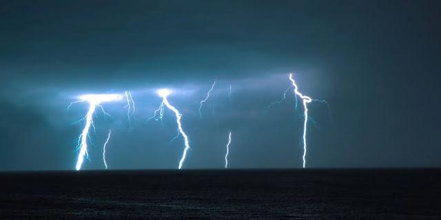 Κακοκαιρία «Μπάλλος»: Χτυπά Ιόνιο και Ηπειρο, ξεκίνησε έντονη βροχή και στην Αττική -Προειδοποίηση για επικίνδυνα φαινόμενα - Φωτογραφία 1