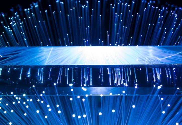 «Εξοικονομώ» για οπτικές ίνες στα κτίρια ύψους - ΜΕΧΡΙ 1.000 ευρώ η επιδότηση - Φωτογραφία 1
