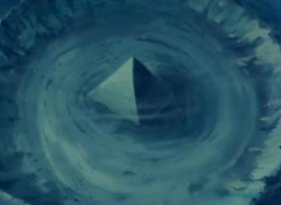 Πυραμίδες βυθισμένες στο Τρίγωνο των Βερμούδων - Φωτογραφία 3