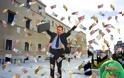 Σάλος στη Βουλή - Εγκρίθηκε μετεκλογικό επίδομα 1.000 ευρώ σε κάθε υπάλληλο του κοινοβουλίου