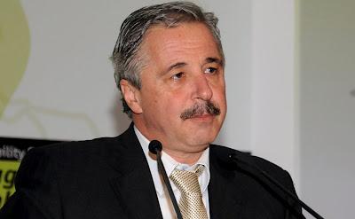 Νέος γραμματέας της Κ.Ο. ΠΑΣΟΚ ο Γιάννης Μανιάτης! - Φωτογραφία 1