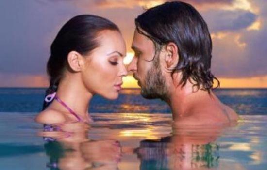 Το θαλάσσιο σεξ διέκοψαν... οι αχινοί - Φωτογραφία 1