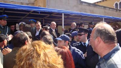4.000 αστυνομικοί θα φυλάνε τους πολιτικούς για την παρέλαση - Φωτογραφία 1