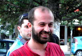 Τραυματίστηκε από στέλεχος χημικού, ο βουλευτής του ΣΥΡΙΖΑ Βαγγέλης Διαμαντόπουλος - Φωτογραφία 1