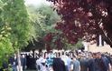 Πάτρα: Θρήνος και αναπάντητα γιατί στην κηδεία του Kώστα Φράγκου - Αλήτες φώναζε ο πατέρας του - Δείτε φωτο - Φωτογραφία 5