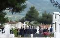 Πάτρα: Θρήνος και αναπάντητα γιατί στην κηδεία του Kώστα Φράγκου - Αλήτες φώναζε ο πατέρας του - Δείτε φωτο - Φωτογραφία 8