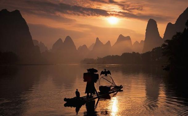 ΥΠΕΡΟΧΕΣ ΕΙΚΟΝΕΣ: Ψαρεύουν με τη βοήθεια πουλιών... - Φωτογραφία 4