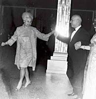 Το κιτς των δικτατόρων...της 21ης Απριλίου 1967...!!! - Φωτογραφία 1