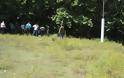 Ο νεκρός Μάριον Κόλα με το καλάσνικοφ στο σημείο της συμπλοκής - H επίσημη ανακοίνωση της ΕΛ.ΑΣ - Δείτε φωτο - Φωτογραφία 2
