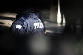 Σύλληψη αστυφύλακα-ιδιωτικού ντετέκτιβ που εκβίαζε μια 34άχρονη - Φωτογραφία 1