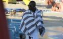 Φωτογραφίες από τις διακοπές του Μπαλοτέλι στη Μύκονο - Φωτογραφία 6