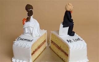 Xωρίζουν για να γλιτώσουν την απόλυση - Η συνταρακτική εξομολόγηση μιας δημοσίου υπαλλήλου που παίρνει εικονικό διαζύγιο - Φωτογραφία 1