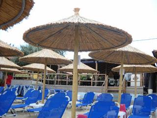 Για απαράδεκτη εξυπηρέτηση σε beach bar στη Χαλκιδική, κάνει λόγο αναγνώστρια - Φωτογραφία 1