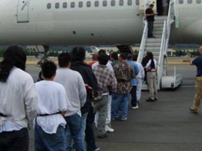 Απελάθηκαν 55 αλλοδαποί - Φωτογραφία 1