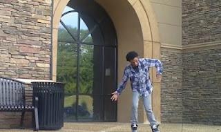 Ίσως ο καλύτερος dubstep χορευτής που έχετε δει ποτέ! [Video] - Φωτογραφία 1