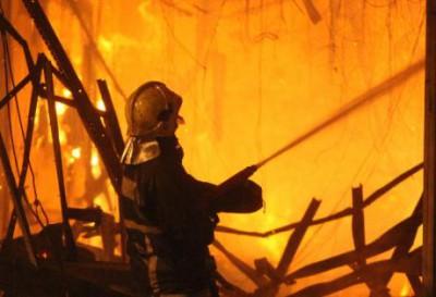 Καταστράφηκε εργοστάσιο αρτοσκευασμάτων στο Ηράκλειο από πυρκαγιά - Φωτογραφία 1