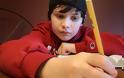 Ο 14χρονος με αυτισμό που απειλεί τη θεωρία της σχετικότητας και πάει για Νόμπελ! (video)