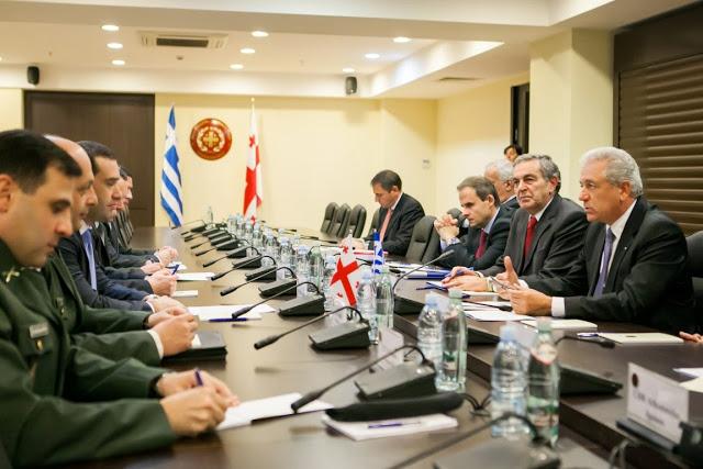 Δηλώσεις ΥΕΘΑ Δημήτρη Αβραμόπουλου και Υπουργού Άμυνας της Γεωργίας Ιrakli Αlasania μετά τη συνάντησή τους στην Τιφλίδα - Φωτογραφία 6