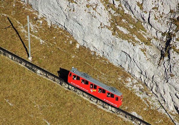 Η πιο απότομη σιδηροδρομική γραμμή στον κόσμο! - Φωτογραφία 6