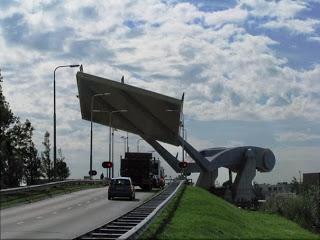 Ιπτάμενη... γέφυρα στην Ολλανδία [Video] - Φωτογραφία 1
